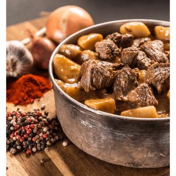 Hovězí guláš s bramborem