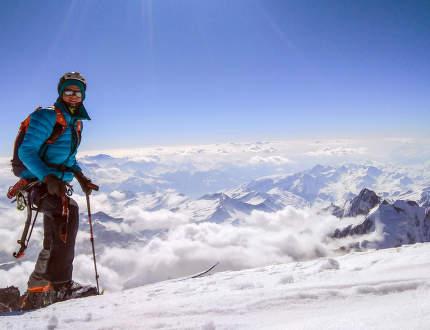 Mont Blanc s lyžemi a bez publika