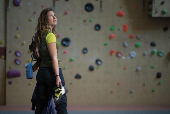 Jak na lezení na umělé stěně
