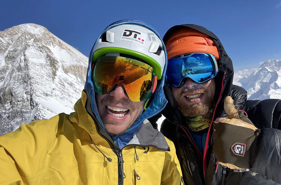 Martin a Petr na vrcholu Chapayeva (6150m)