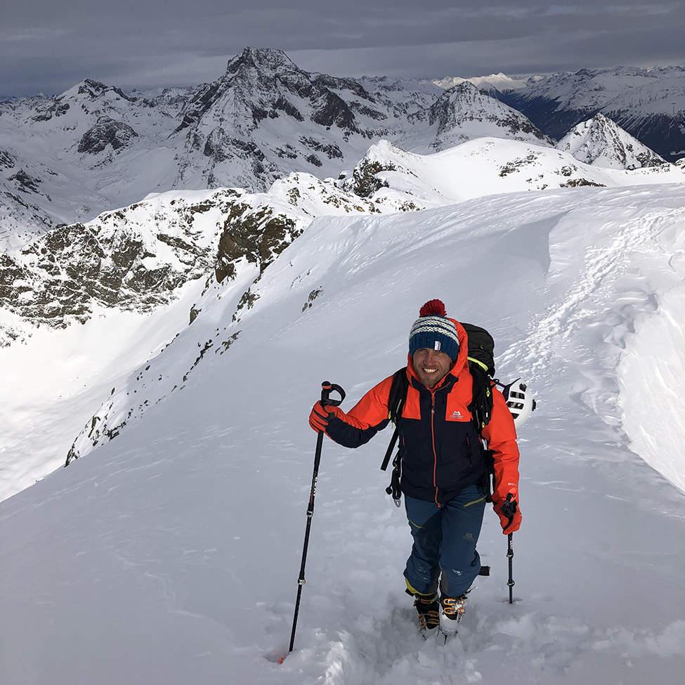 stoupání na pásech Alpy