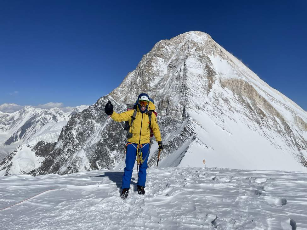IMG_2512_Petr na vrcholu Chapayeva, Chan Tengri v pozadi